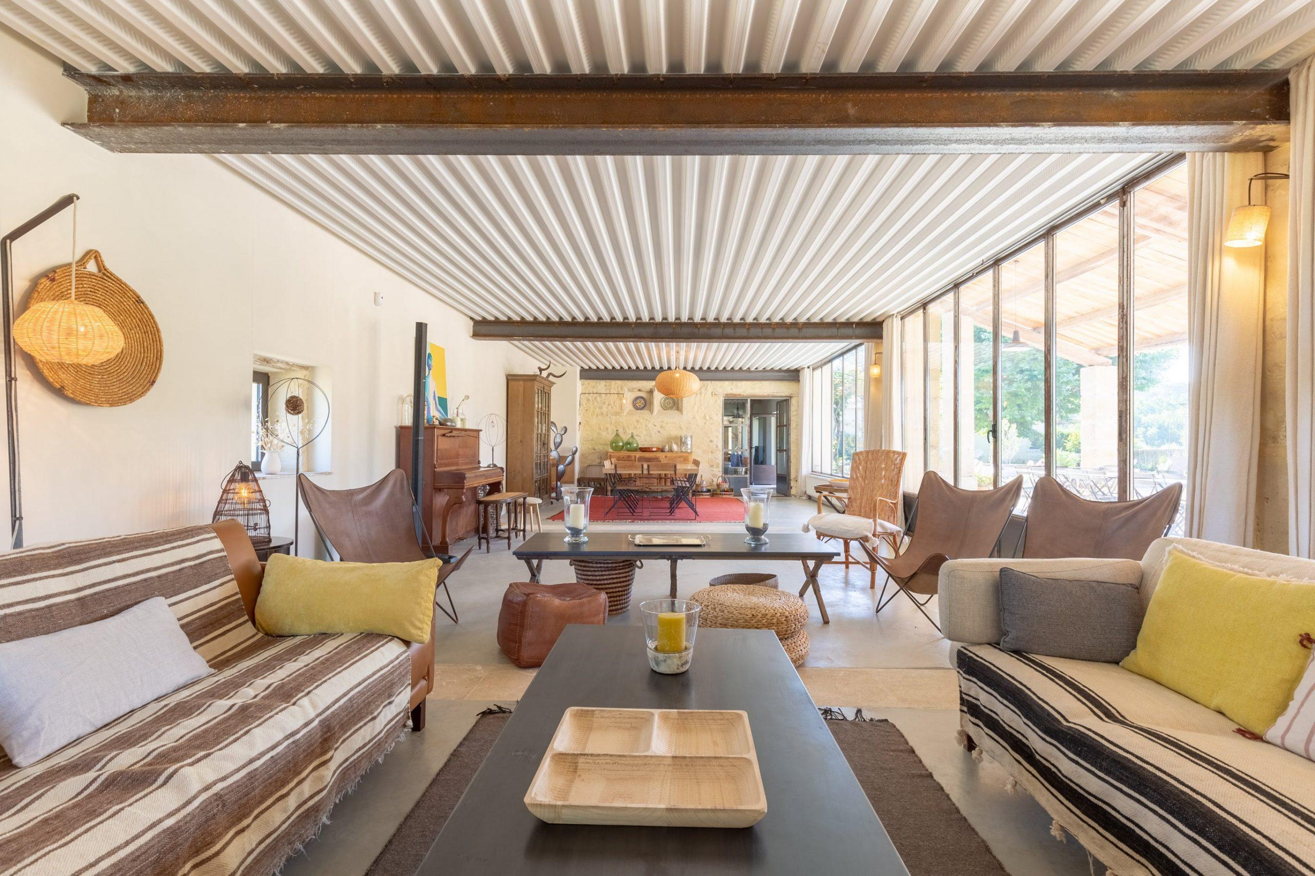 Maison d'hôtes dans le Vaucluse de 600m2 - 2014-min
